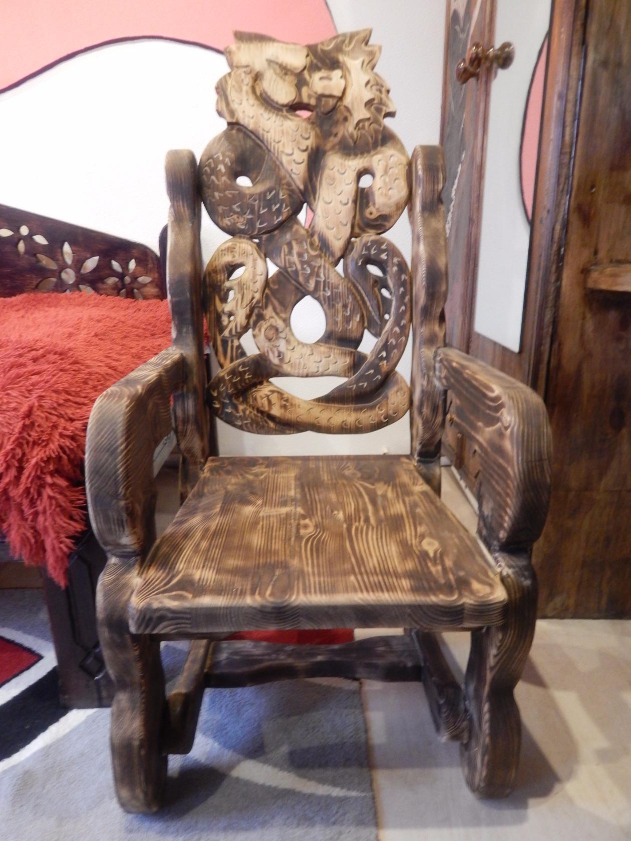 исполнилось два необычные стул трон из дерева фото предлагаемых